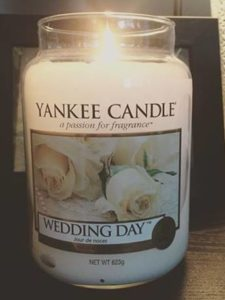 Yankee-Wedding-Day-Scented-Candle-Review