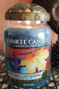 yankee-autumn-gathering-scented-candle-review