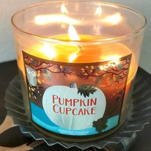 Bath & Body Works Pumpkin Cupcake Candle Review
