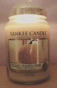 Yankee-Sugared-Pumpkin-Swirl-Scented-Candle-Review-Photo4