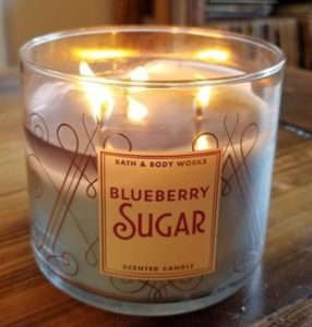 Bath & Body Works Blueberry Sugar Candle Review