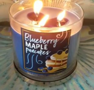 Bath-Body-Works-Blueberry-Maple-Pancakes-Scented-Candle-5