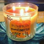 Bath-Body-Works-Pumpkin-Peanut-Brittle-Scented-candle-review-3